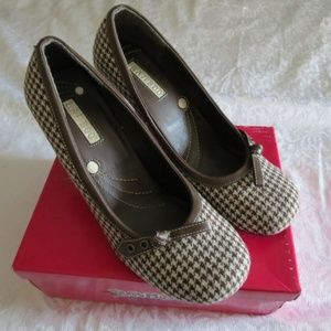 Bamboo Beige Brown Hounds Tooth High heels size 10